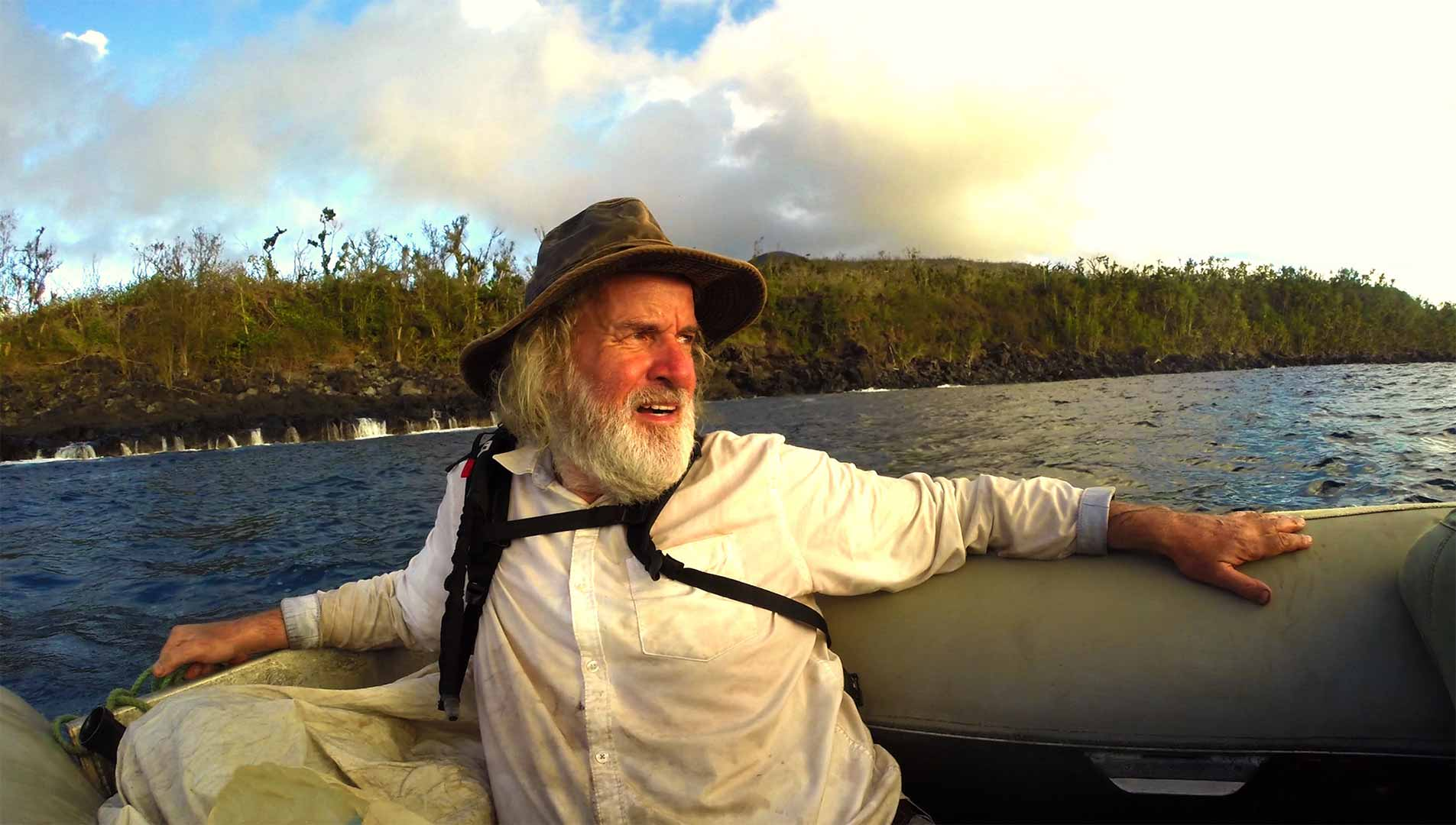 One of our castaways arriving to the desert islands that we have in Oceania